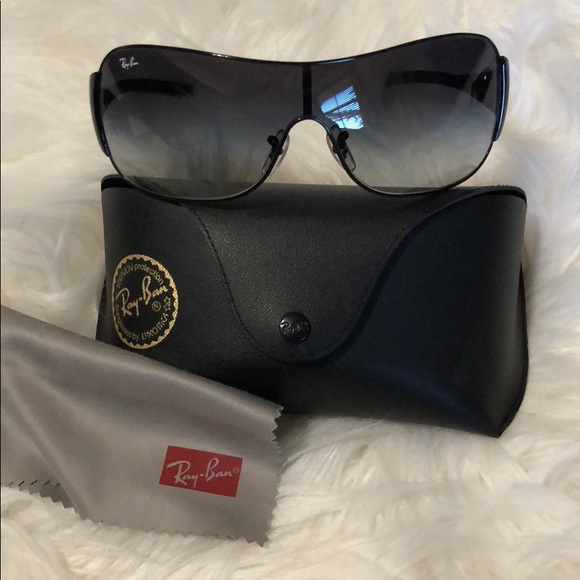 d1f234e816 Authentic Ray Ban High Street Shield Sunglasses. M 5a6f9a368af1c531824db836